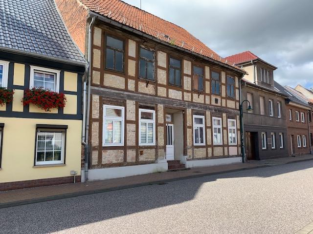 HANDWERKERHAUS! Mehrfamilienhaus im Verbindungsbau mit einem ausbaufähigen Speicher